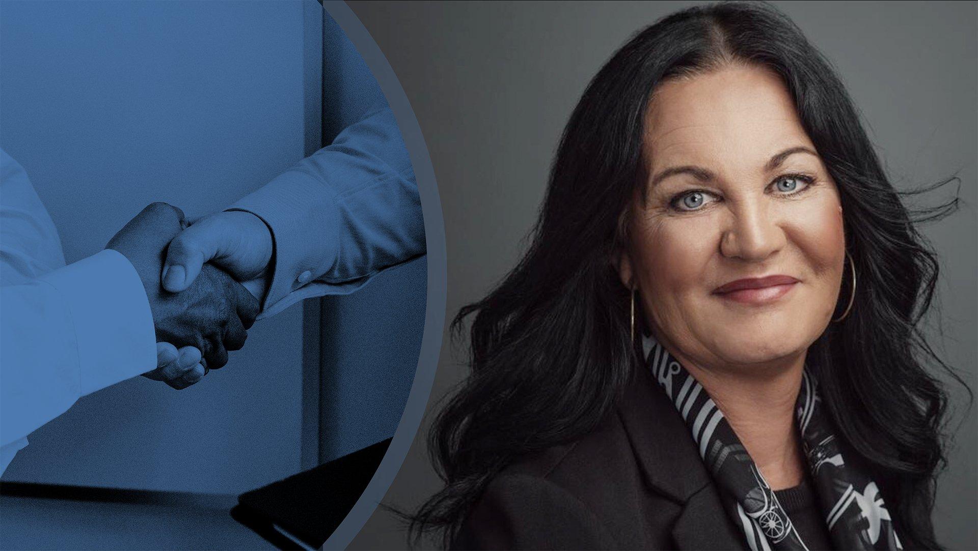 Till vänster en bild på två händer som skakar hand, till höger en bild på Lena Molin.